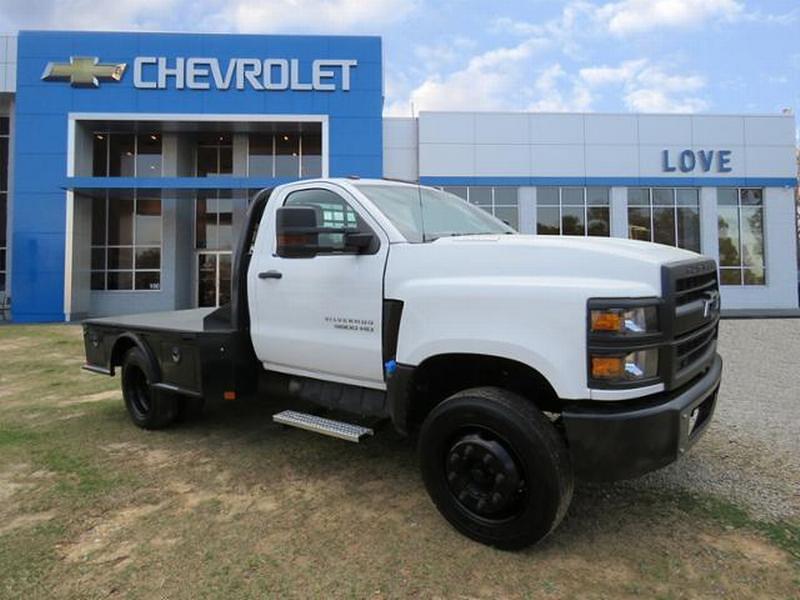 2020 Chevrolet Silverado 5500 Regular Cab DRW 4x2, CM Truck Beds Platform Body #N201886A - photo 1