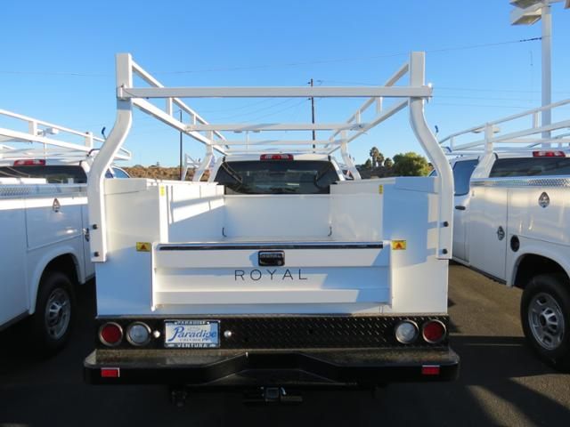 2015 Silverado 2500 Crew Cab, Royal Service Body #T151339 - photo 3