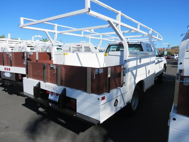 2015 Silverado 3500 Crew Cab, Combo Body #T151348 - photo 2