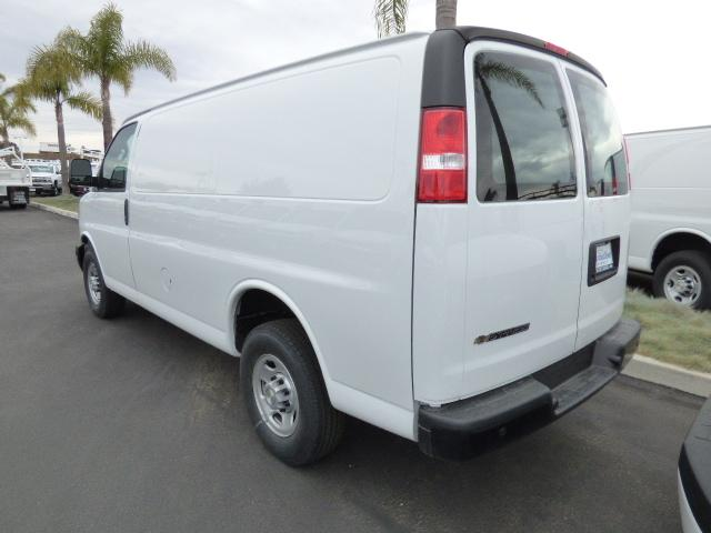 2017 Express 2500 4x2,  Empty Cargo Van #T171569 - photo 2
