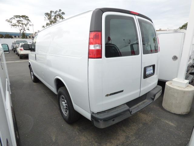 2017 Express 2500 4x2,  Empty Cargo Van #T171571 - photo 2
