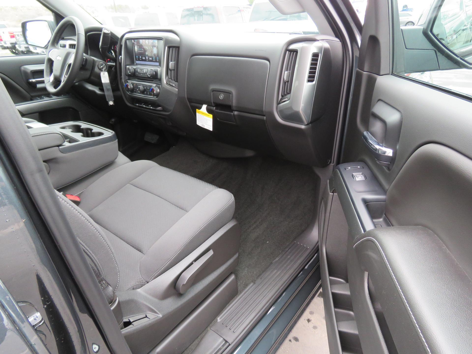 2018 Silverado 1500 Crew Cab 4x2,  Pickup #T181014 - photo 10
