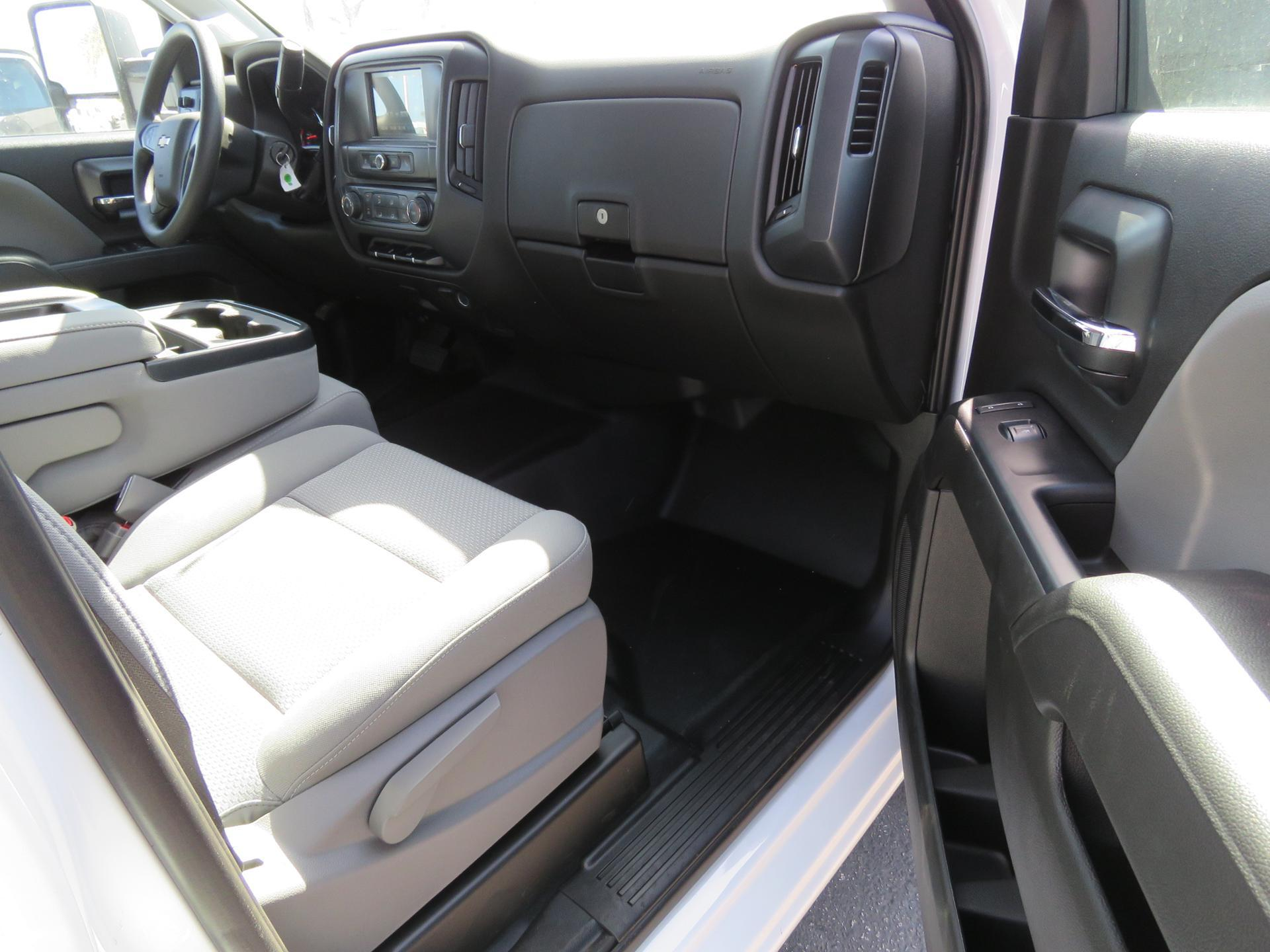 2018 Silverado 2500 Crew Cab 4x2,  Royal Service Body #T18782 - photo 8