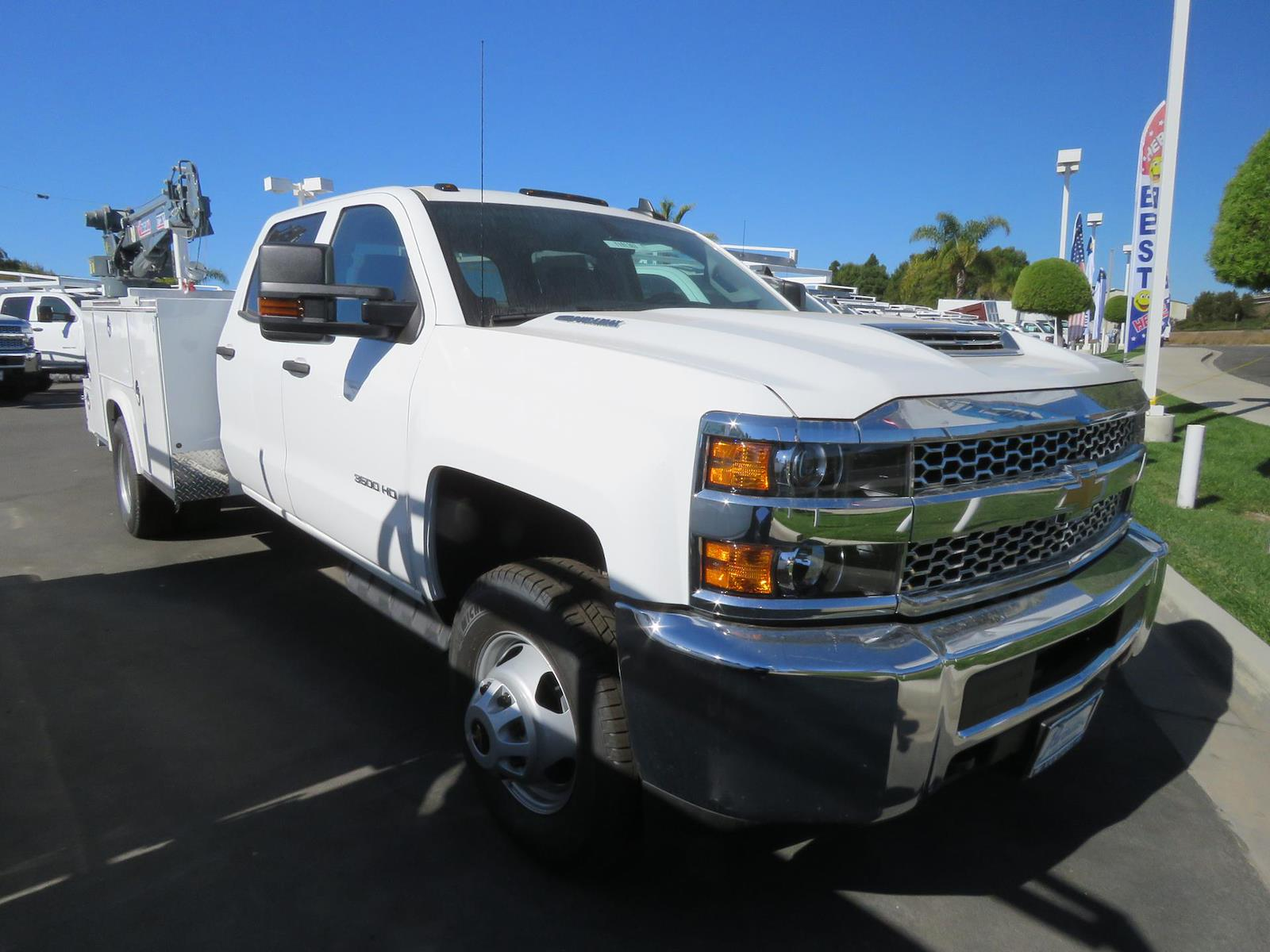 2019 Chevrolet Silverado 3500 Crew Cab DRW 4x2, Royal Mechanics Body #T191363 - photo 1