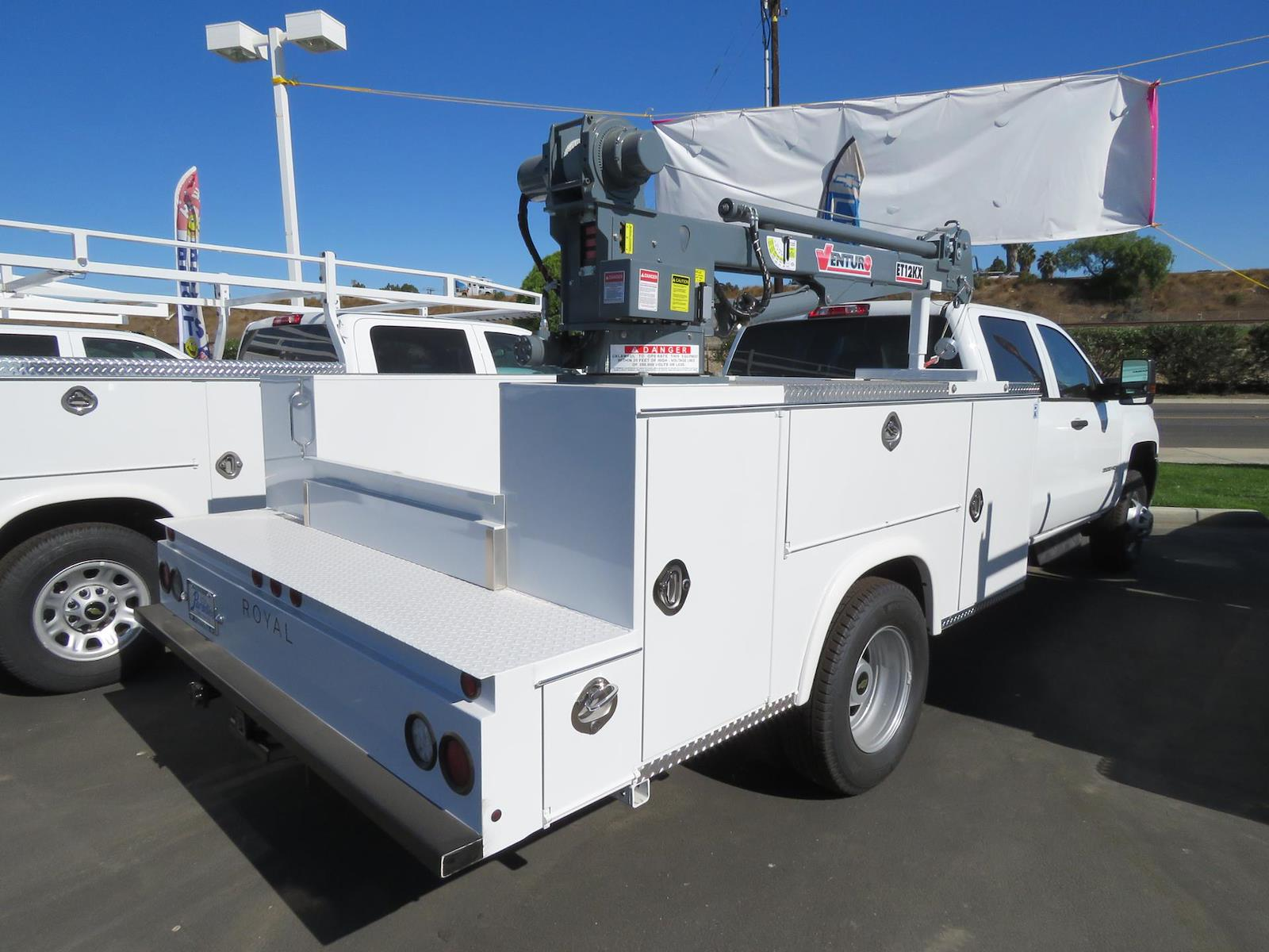 2019 Chevrolet Silverado 3500 Crew Cab DRW RWD, Royal Mechanics Body #T191363 - photo 1