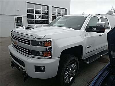 2017 Silverado 2500 Crew Cab 4x4, Pickup #15975P - photo 3