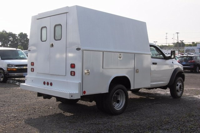 2015 Ram 5500 Regular Cab DRW 4x4, Service Utility Van #16120P - photo 2