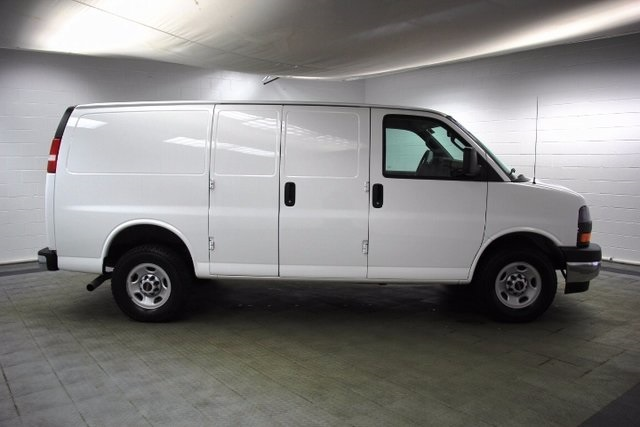 2017 Savana 2500, Cargo Van #16191R - photo 11