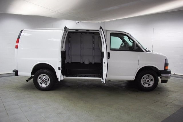 2017 Savana 2500, Cargo Van #16191R - photo 12