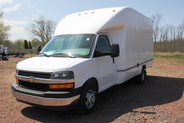 2018 Express 3500 4x2,  Unicell Aerocell Cutaway Van #C86926 - photo 5