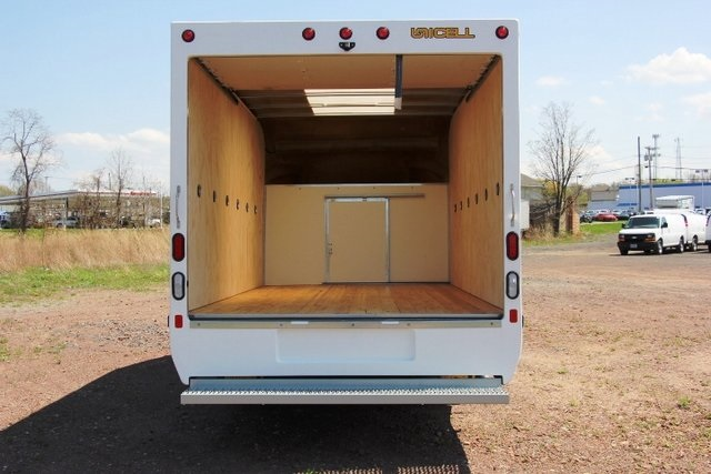 2018 Express 3500 4x2,  Unicell Aerocell Cutaway Van #C86926 - photo 9
