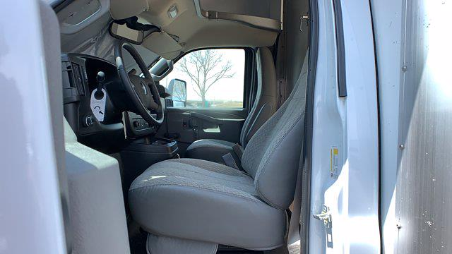 2021 GMC Savana 3500 DRW 4x2, Rockport Cargoport Cutaway Van #G210505 - photo 14