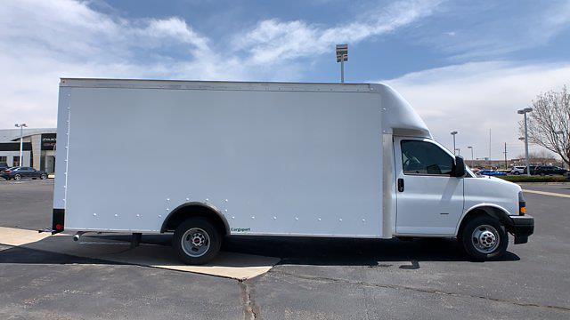 2021 GMC Savana 3500 DRW 4x2, Rockport Cargoport Cutaway Van #G210505 - photo 7