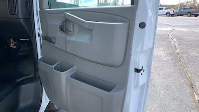 2021 GMC Savana 3500 DRW 4x2, Rockport Cargoport Cutaway Van #G210505 - photo 29