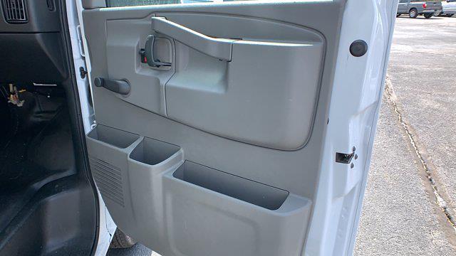 2021 GMC Savana 3500 DRW 4x2, Rockport Cargoport Cutaway Van #G210511 - photo 28