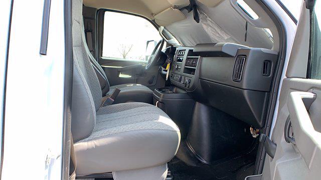 2021 GMC Savana 3500 DRW 4x2, Rockport Cargoport Cutaway Van #G210511 - photo 30