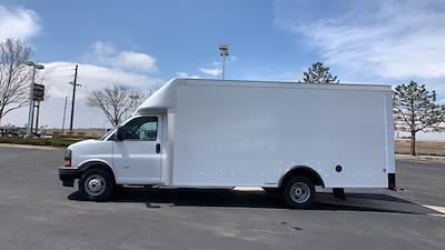 2021 GMC Savana 3500 DRW 4x2, Rockport Cargoport Cutaway Van #G210511 - photo 4