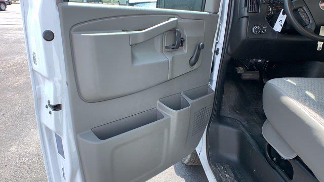 2021 GMC Savana 3500 DRW 4x2, Rockport Cargoport Cutaway Van #G210513 - photo 12