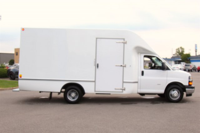 2019 Express 3500 4x2, Unicell Aerocell Cutaway Van #900138 - photo 11
