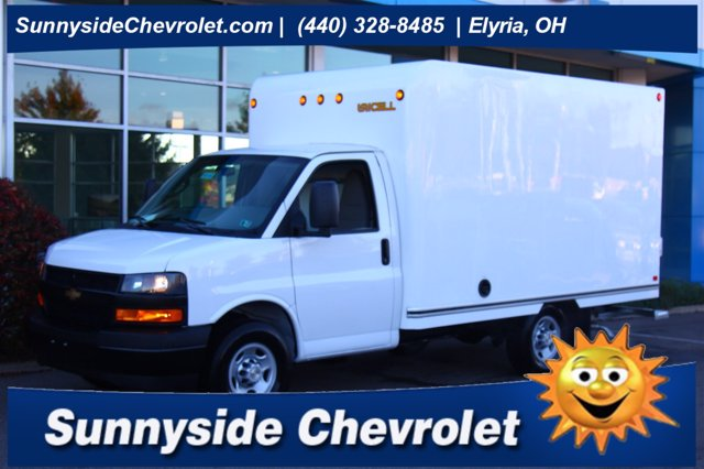 2020 Chevrolet Express 3500 4x2, Unicell Cutaway Van #901105 - photo 1
