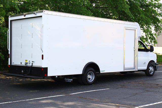 2021 Chevrolet Express 4500 DRW 4x2, Rockport Cutaway Van #901612 - photo 1