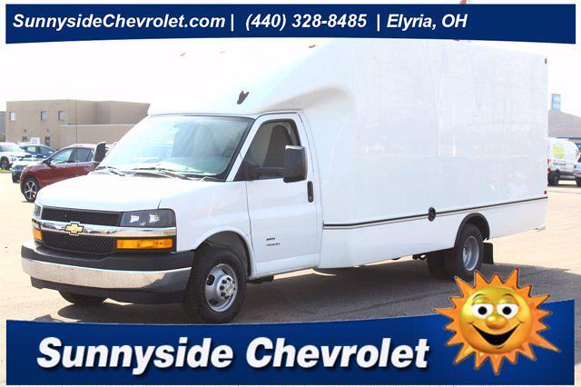 2021 Chevrolet Express 4500 DRW 4x2, Unicell Cutaway Van #901661 - photo 1