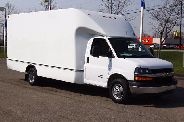 2021 Chevrolet Express 4500 DRW 4x2, Unicell Aerocell Cutaway Van #901661 - photo 4