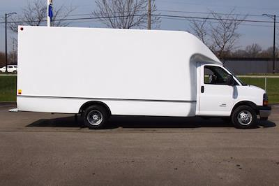 2021 Chevrolet Express 4500 DRW 4x2, Unicell Aerocell Cutaway Van #901661 - photo 10
