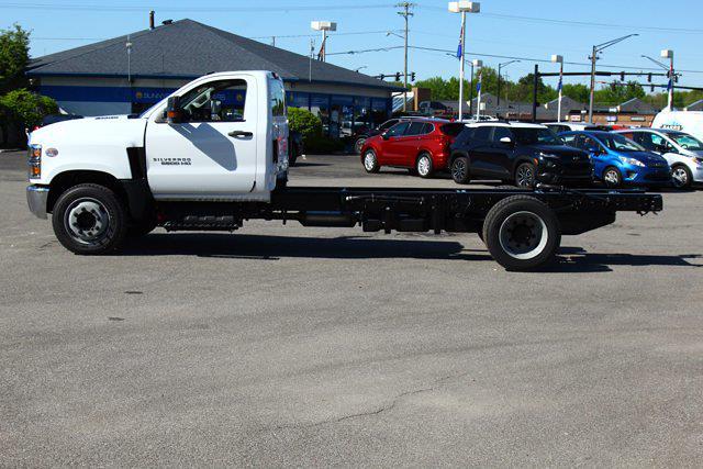 2021 Silverado 5500 Regular Cab DRW 4x2,  Cab Chassis #901710 - photo 7