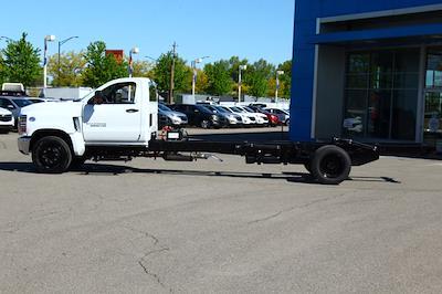 2021 Silverado 6500 Regular Cab DRW 4x2,  Cab Chassis #901719 - photo 9