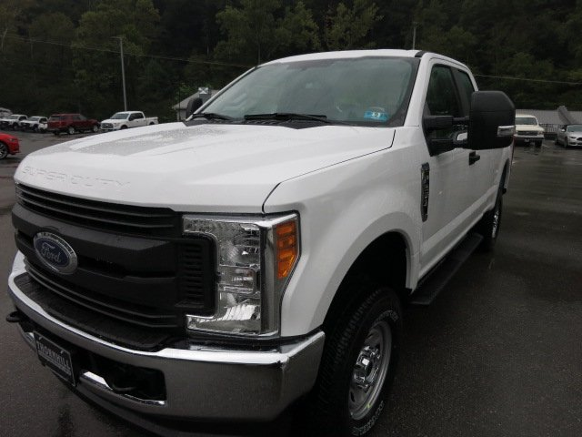 2017 F-250 Super Cab 4x4 Pickup #17F692 - photo 1