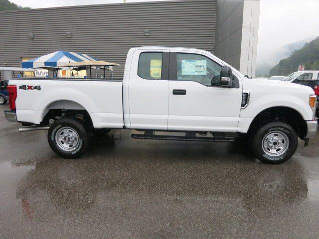 2017 F-250 Super Cab 4x4 Pickup #17F692 - photo 5