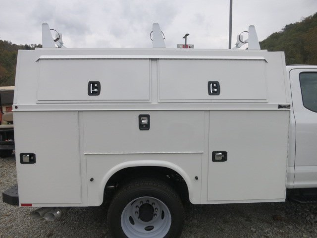 2017 F-450 Super Cab DRW 4x4 Service Utility Van #17F754 - photo 6
