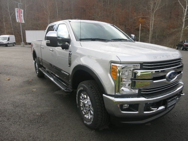 2017 F-250 Crew Cab 4x4 Pickup #17F778 - photo 4