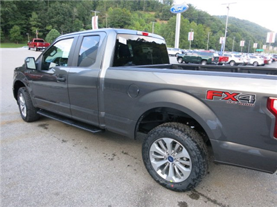 2018 F-150 Super Cab 4x4, Pickup #18F009 - photo 2