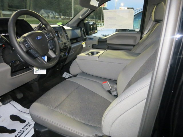 2018 F-150 Regular Cab 4x4, Pickup #18F012 - photo 9