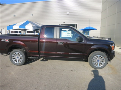 2018 F-150 Super Cab 4x4, Pickup #18F035 - photo 5