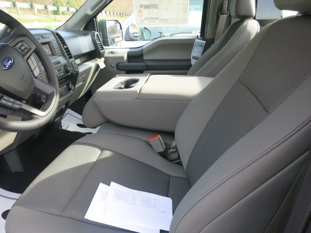 2018 F-150 Regular Cab 4x4, Pickup #18F083 - photo 10