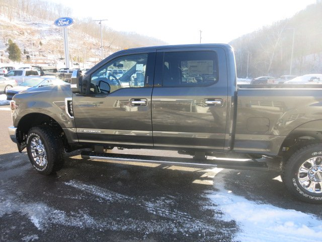 2018 F-250 Crew Cab 4x4, Pickup #18F178 - photo 8