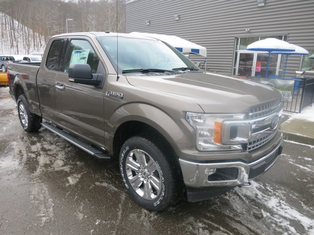 2018 F-150 Super Cab 4x4, Pickup #18F201 - photo 4
