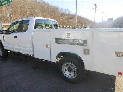 2018 F-350 Super Cab 4x4, Service Body #18F298 - photo 3