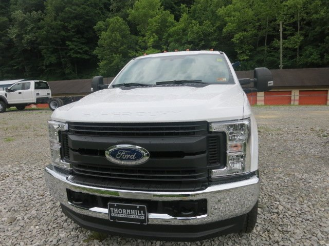2018 F-350 Super Cab 4x4,  Reading Service Body #18F455 - photo 3