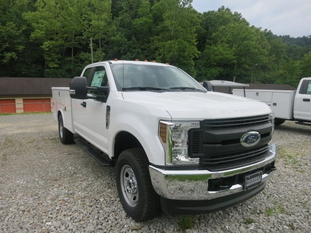 2018 F-350 Super Cab 4x4,  Reading Service Body #18F455 - photo 4