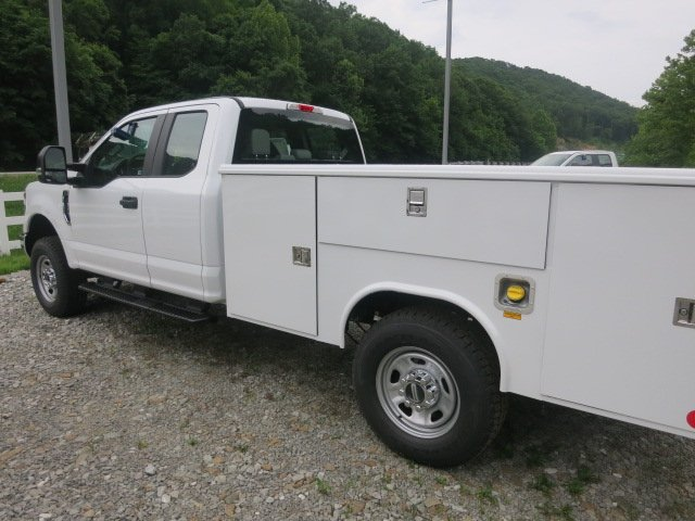 2018 F-350 Super Cab 4x4,  Reading Service Body #18F455 - photo 2