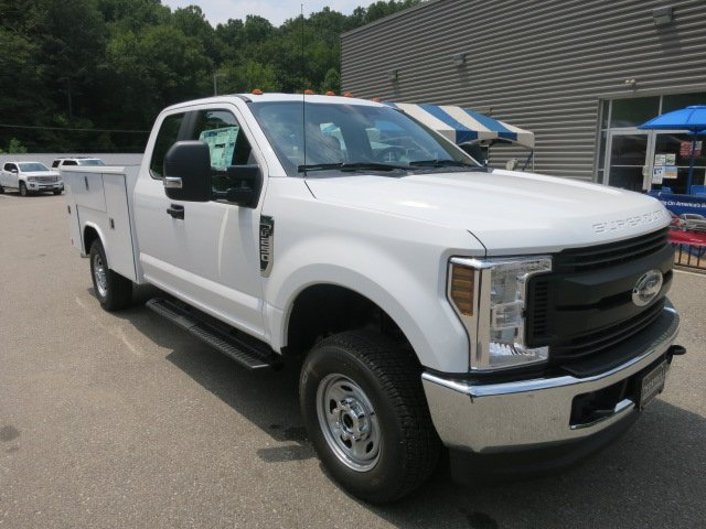 2018 F-250 Super Cab 4x4,  Reading Service Body #18F572 - photo 4
