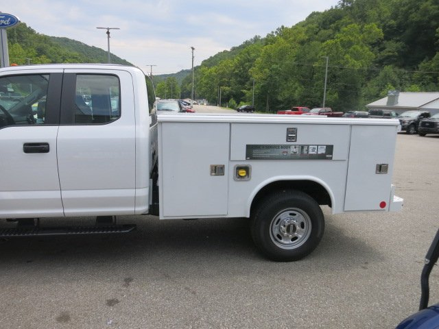 2018 F-250 Super Cab 4x4,  Reading Classic II Steel Service Body #18F573 - photo 8