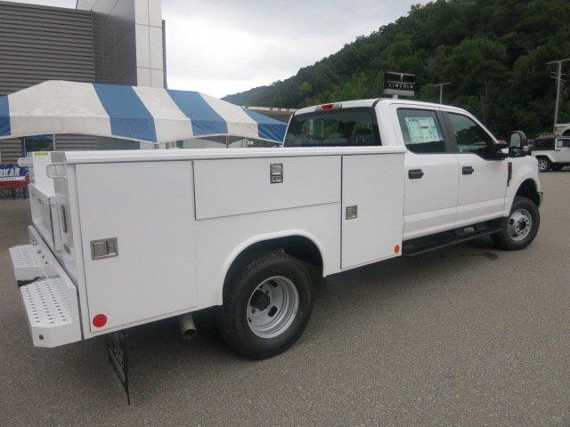 2018 F-350 Crew Cab DRW 4x4,  Reading Service Body #18F593 - photo 4
