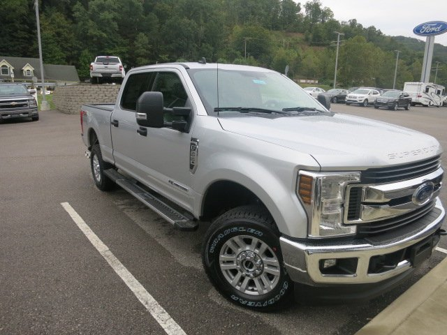 2019 F-250 Crew Cab 4x4,  Pickup #19F023 - photo 4