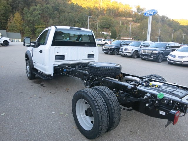 2019 F-550 Regular Cab DRW 4x4,  Cab Chassis #19F049 - photo 2