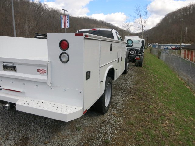 2017 F-450 Regular Cab DRW 4x4, Service Body #7F0272 - photo 2